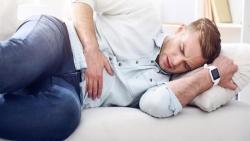 اعراض البرد في البطن وطرق علاجه والمشروبات الممنوعة