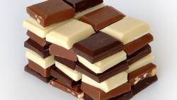 اكل الشوكولاته في المنام للعزباء والمتزوجة والشاب