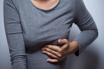 هل ألم الثدي من علامات الحمل