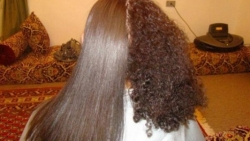 وصفات لتنعيم الشعر المجعد للابد