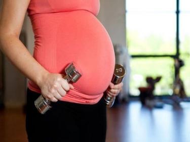 اقترحي نظاما رياضيا لسيدة حامل