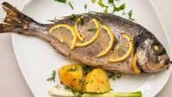تفسير حلم إعطاء السمك في المنام