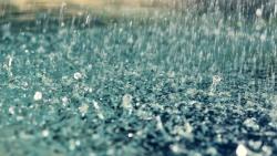 تفسير حلم المشي تحت المطر في المنام