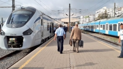 تفسير حلم ركوب القطار مع شخص ميت في المنام