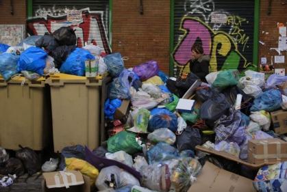 تفسير حلم جمع القمامة والنفايات في المنام