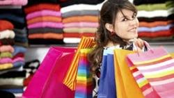 تفسير حلم شراء ملابس جديدة لشخص آخر في المنام