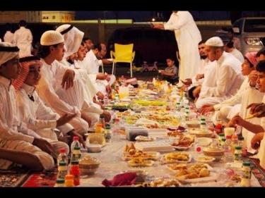 تفسير حلم الأكل في المسجد في المنام