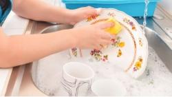تفسير حلم غسل الصحون المتسخة في المنام