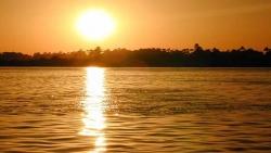 تفسير حلم سقوط الشمس على الأرض في المنام