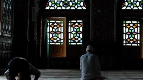 تفسير حلم الصلاة في المسجد في المنام