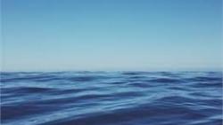 تفسير حلم غسل الوجه بماء البحر في المنام