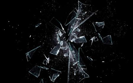 تفسير حلم الزجاج في اليد في المنام