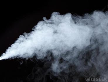 تفسير حلم محاولة الإمساك بالبخار في المنام