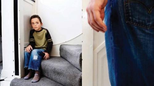 تفسير رؤية ضرب الأم لابنها في المنام