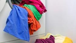 تفسير حلم غسل ملابس شخص اعرفه في المنام