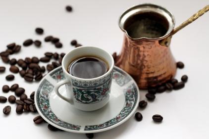 تفسير تقديم القهوة في المنام للعزباء في المنام