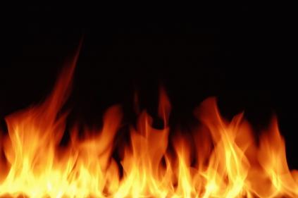 تفسير حلم نار تحرق ملابسي في المنام
