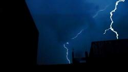 تفسير رؤية المطر والبرق والرعد في المنام