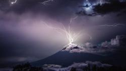 رؤية البرق والرعد في المنام للمتزوجة