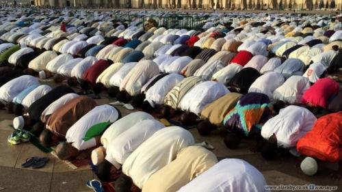 عدد المسلمين في العالم 2021